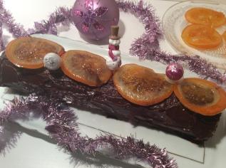 bûche de Noël sans gluten au chocolate et oranges confites