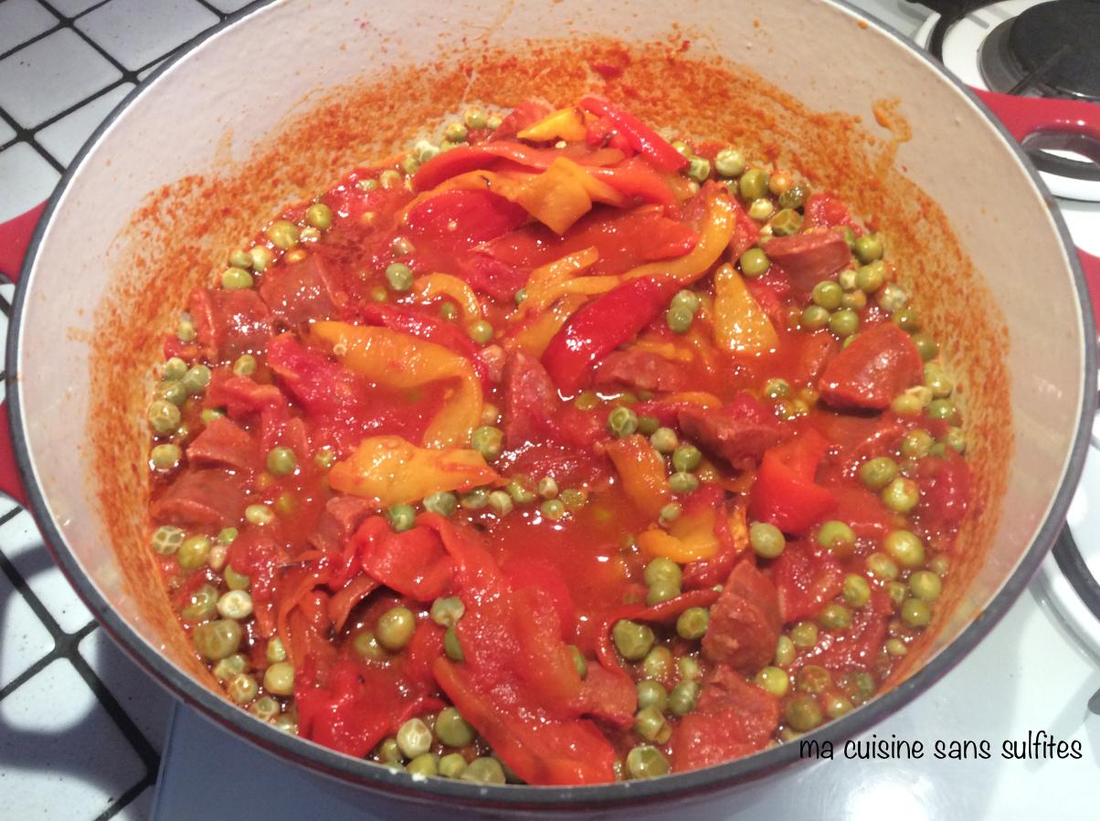 Chorizo petits pois et poivrons en sauce tomate ma - Enlever tache sauce tomate ...